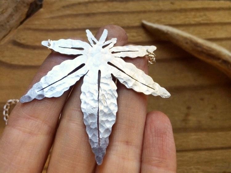 Simple leaf pendant shop - cannabis - asotojewelry | ello