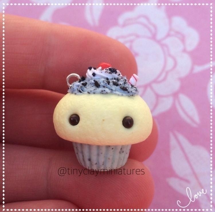 Ello mint Oreo milkshake cupcak - tinyclayminiatures | ello