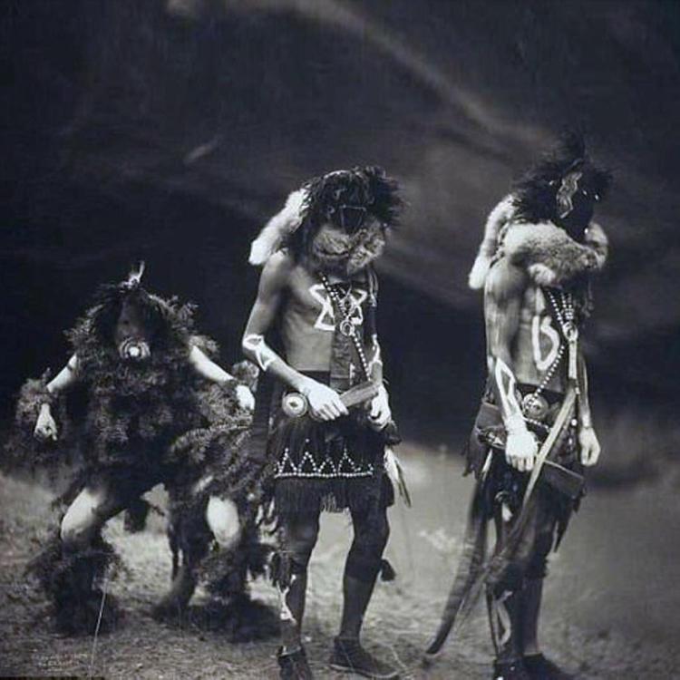 Tonenili, Tobadzischini, Nayene - mythicalforces | ello