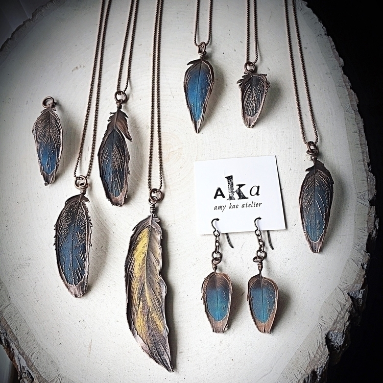 Electroformed macaw feathers di - amykaeatelier | ello