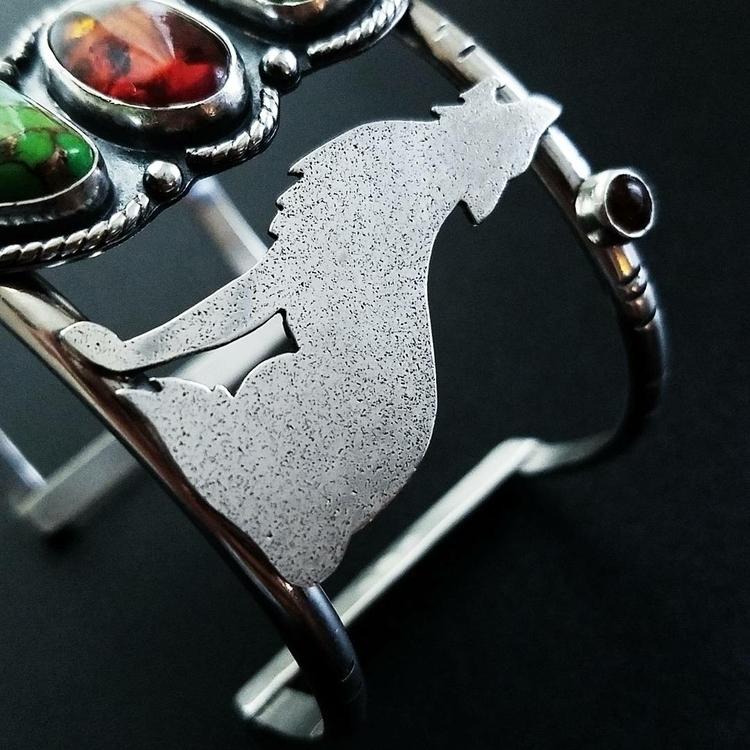 howling coyote cuff fun making  - solidtreasuresjewelry | ello