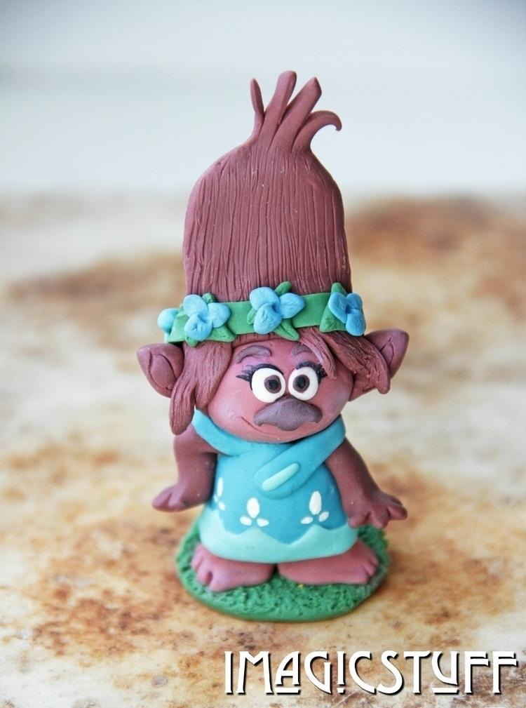 Princess Poppy ready coronation - i_magicstuff | ello