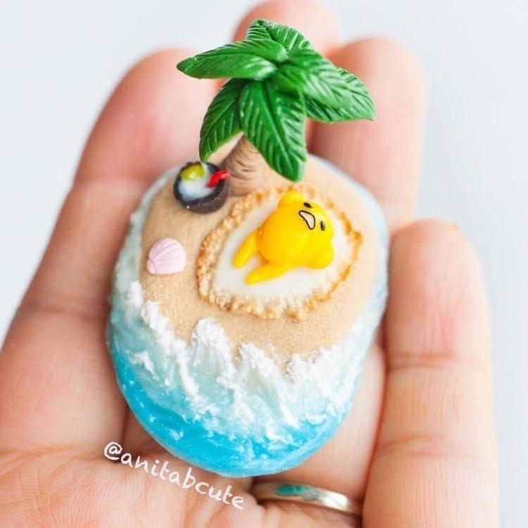 Polymer clay Gudetama beach sce - anitabcute | ello