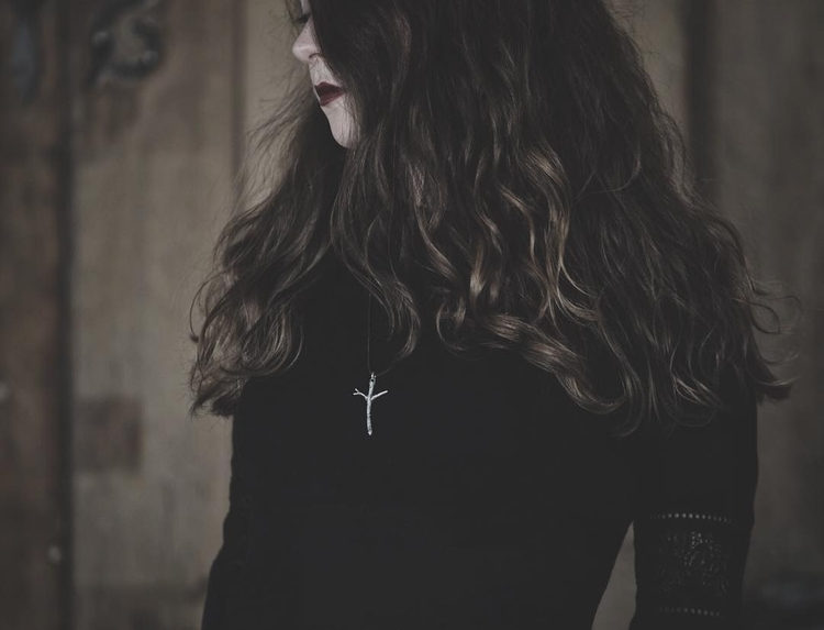 Algiz rune - hand carved sterli - darkwoodjewelry | ello