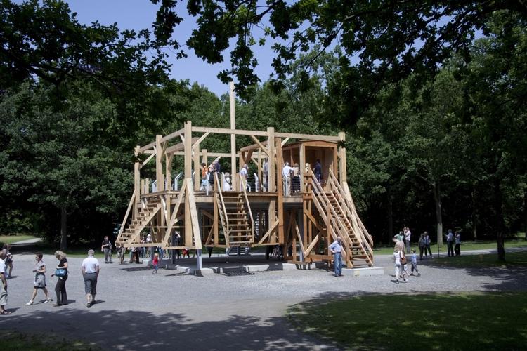 "Sam outdoor installation ""Scaff - valosalo | ello"