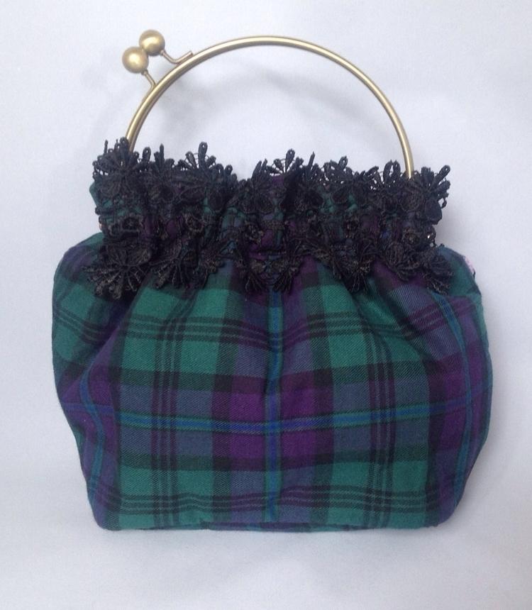Small handbag, perfect items. S - beesattic   ello