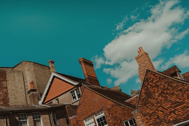 random nice - UK, NorfolkArms, Bricks - mungkey   ello