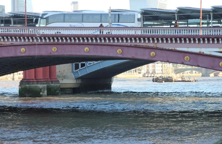 mighty Thames Blackfriars - duncangarethanderson | ello