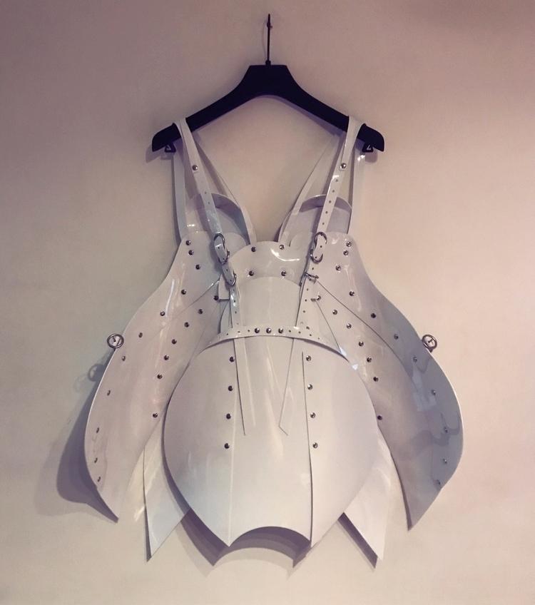 wall - designer, luxury, fashion - jivomir_domoustchiev | ello