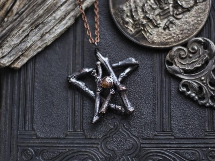 Spessartine garnet pentagram ne - kiley_palmer | ello