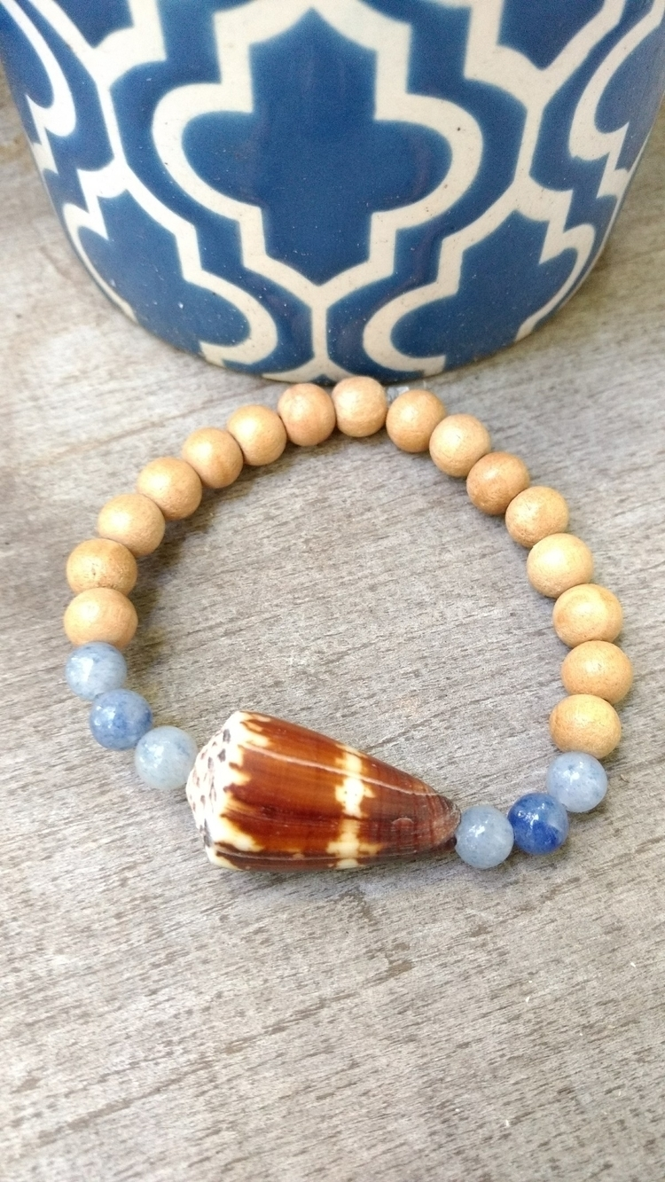 Hawaiian Shell Stretchy Bracele - flatterydesigns | ello