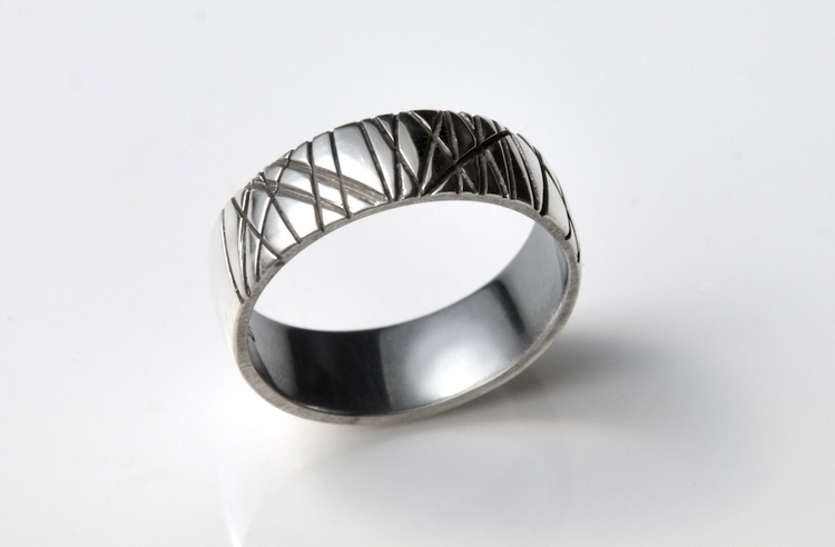 Textured Ring - cut deepest - silver - mineralrare | ello