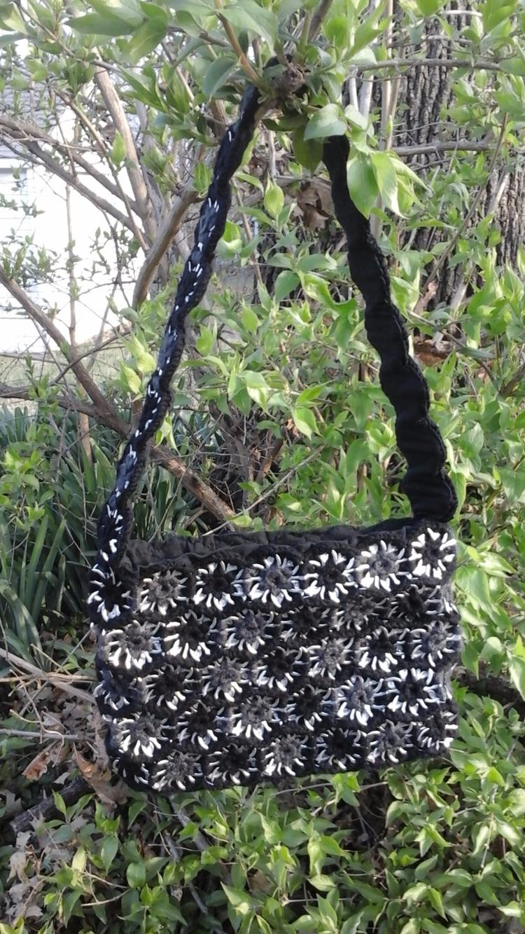 Crochet Pop Tab Purse, $60.00 s - nelias_stitches | ello