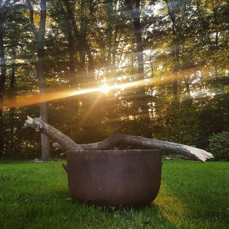 sun quarter Moon rise. Sending  - grayvervain | ello