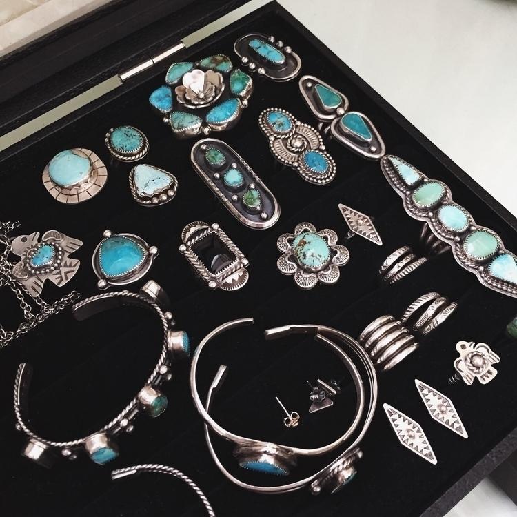 working batch jewels show, shot - thundermoonjewelry | ello