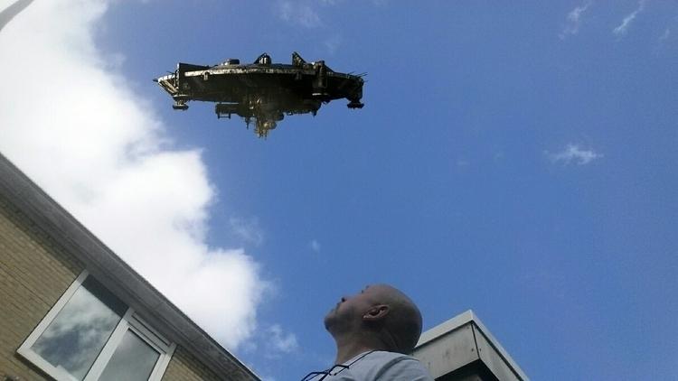 UFO boven mijn huis - pietkeutel   ello