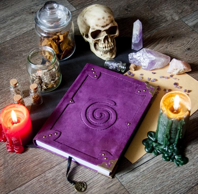 skull, crystal, crystals, sketchbook - dustyburrow | ello