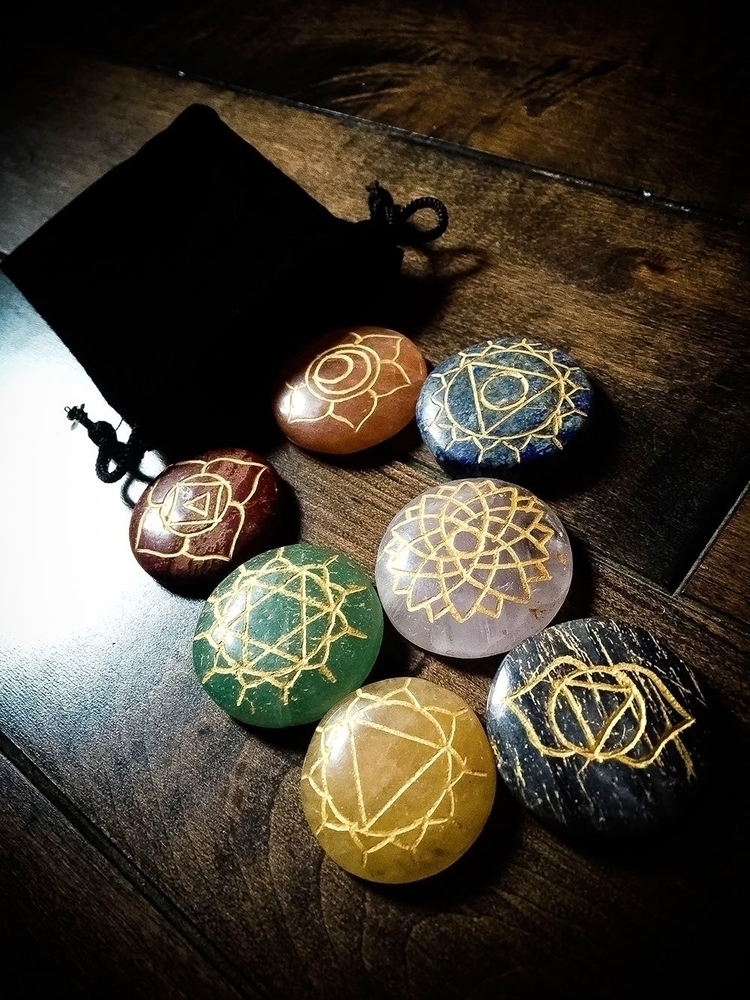 Chakra Palm Stone Set // 3 7 Ch - thewitch | ello