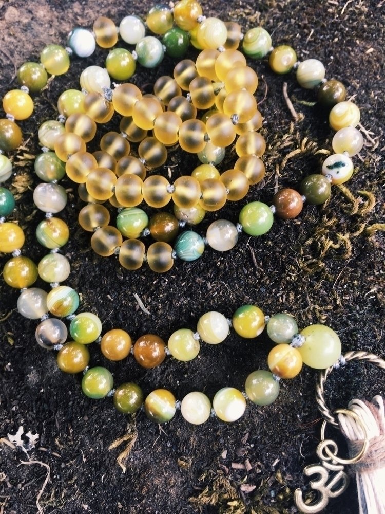 Green striped Agate Yellow Sea  - gypsyxjewels | ello