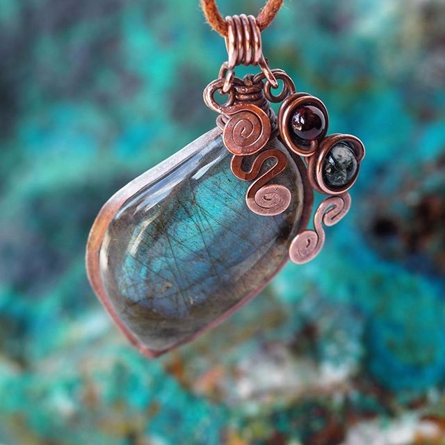 Handmade copper pendant gorgeou - itayaarte | ello
