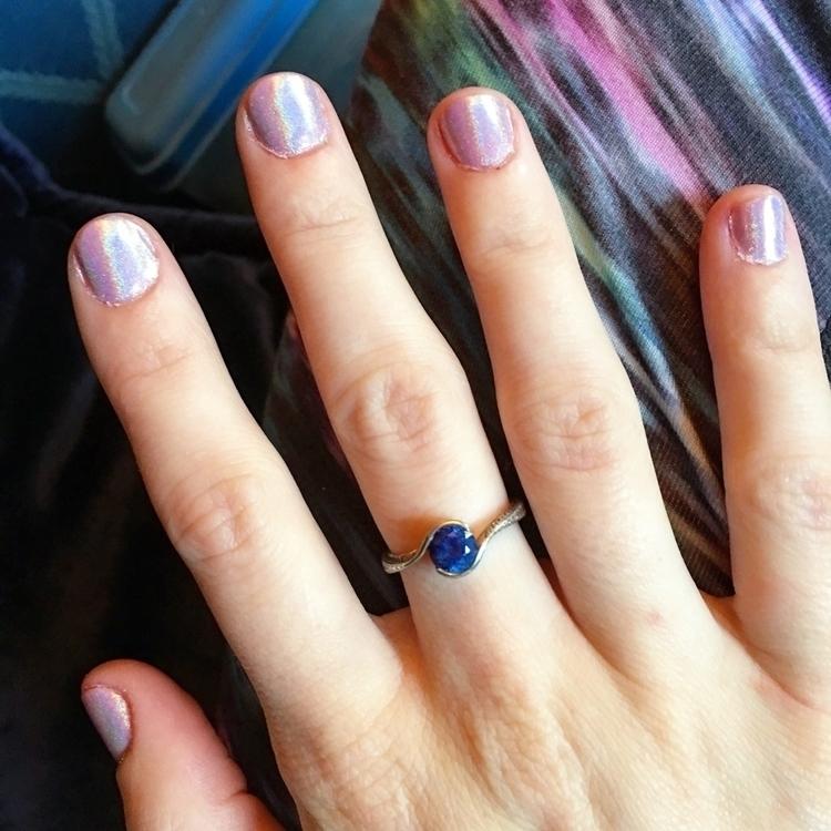 nails! Holo!:sparkling_heart::s - leenius_the_majestic_unicorn   ello