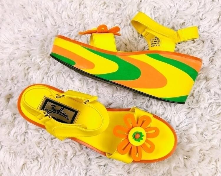 pair vintage platform sandals e - slimewarp | ello
