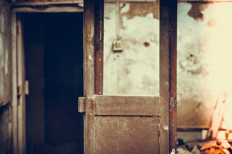 Untold Stories House - abandoned, - sat1974 | ello