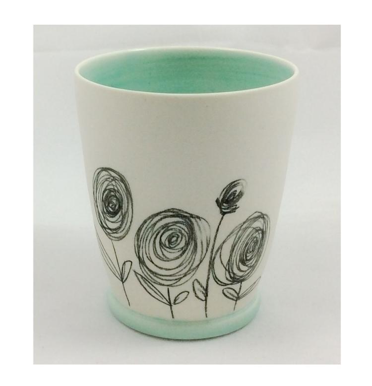 hand porcelain beaker scribble  - ateliercrafers | ello