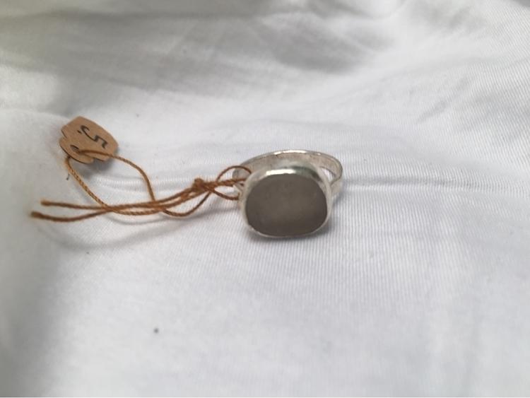 small white ring Ventura - seaglass - thelilypadproject | ello