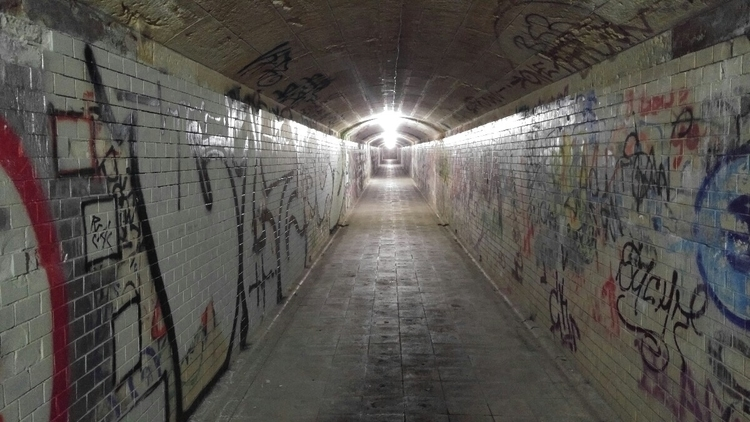 Tunnel - elbacho | ello