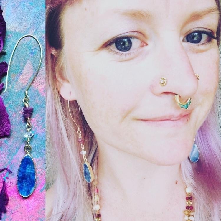 Looooove earrings extra powers - elkemi   ello