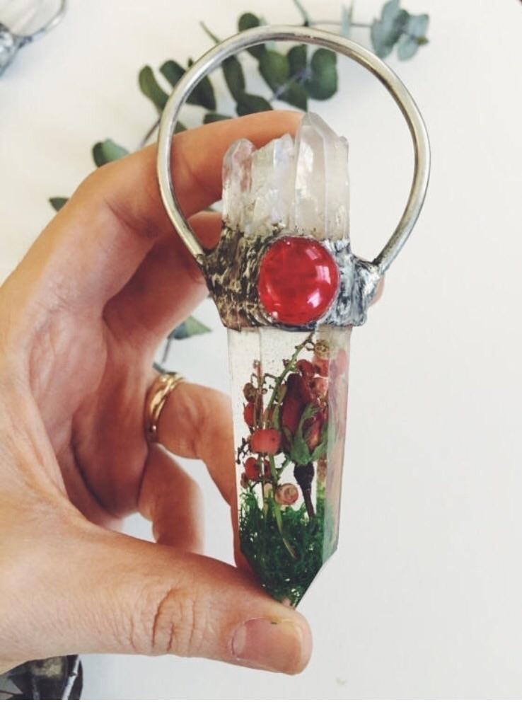 Sacred Rose pendant, paperweigh - valeriaprieto | ello