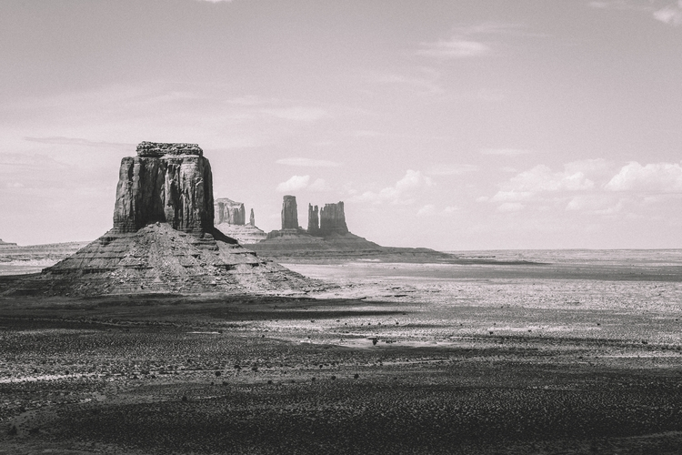 Beams Time Monument Valley - su - youperspective | ello