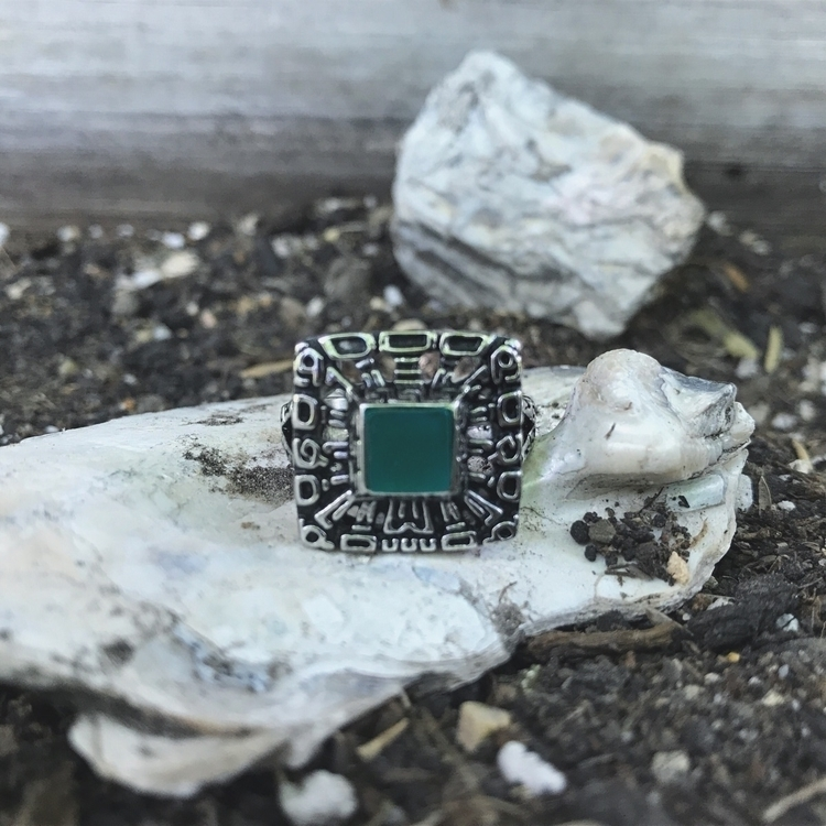 35% Jaguar Ring Chrysoprase Car - evil_pawn_jewelry | ello