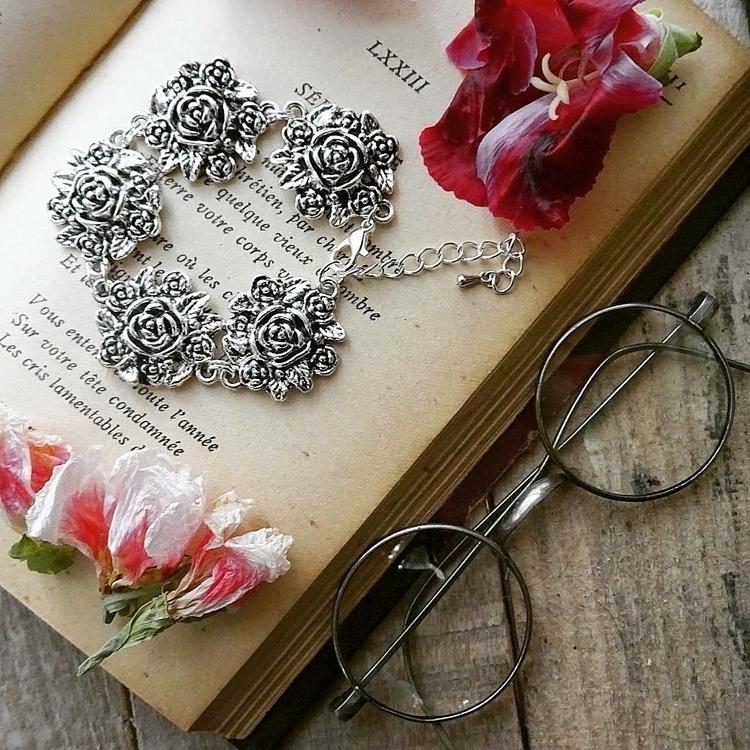 Roses bracelet romantic souls - strega - ghoulandlovingit | ello
