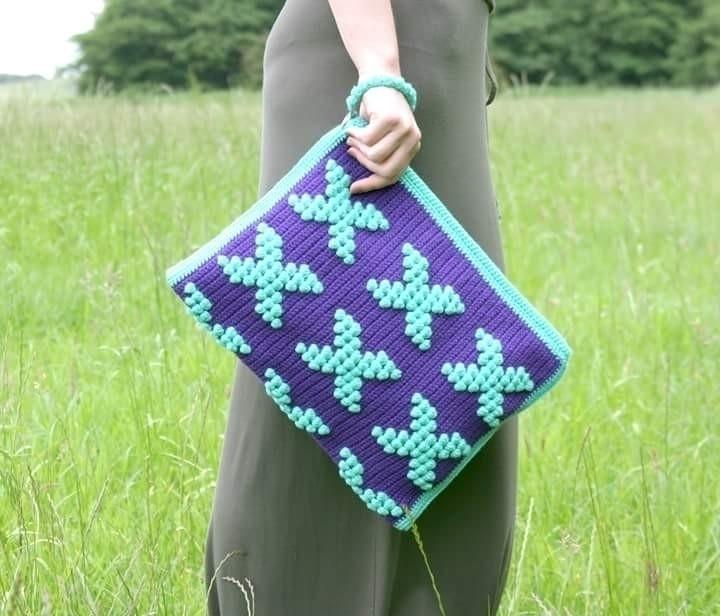 pretty knitted clutch bag grabs - vilka | ello