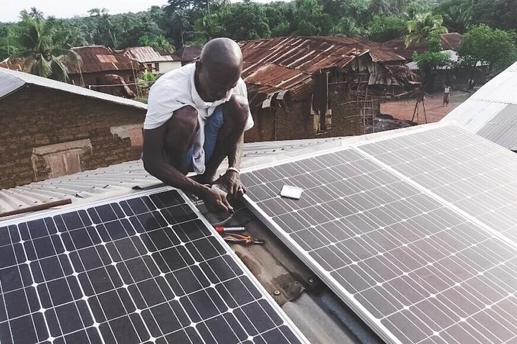 Solar power repair village. Rur - crossignol | ello