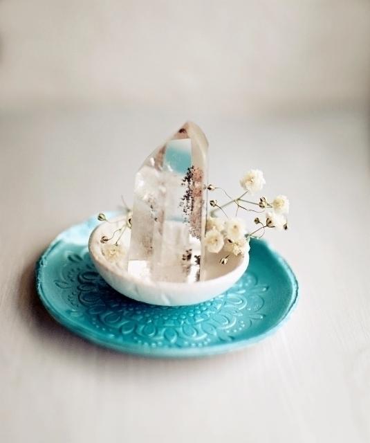 quart crystals! entire room - minimalism - azandairalee | ello