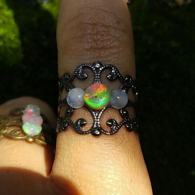 Yummy Opal!! Opal Moonstone Rin - denderalight | ello
