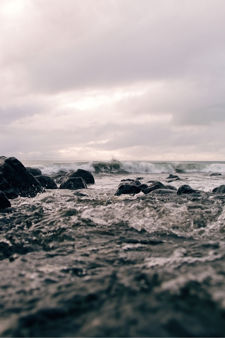 Making waves | - ello, photography - minnley | ello