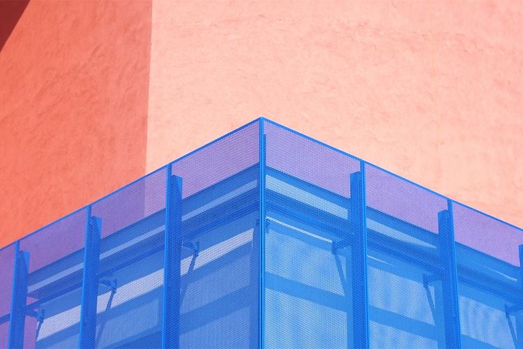 Contrast - sRGB, snap, geometry - guido_chiabrera | ello