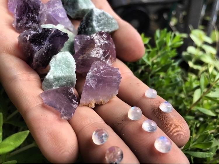 • favorite stones peak backgrou - verdigrisdesign | ello