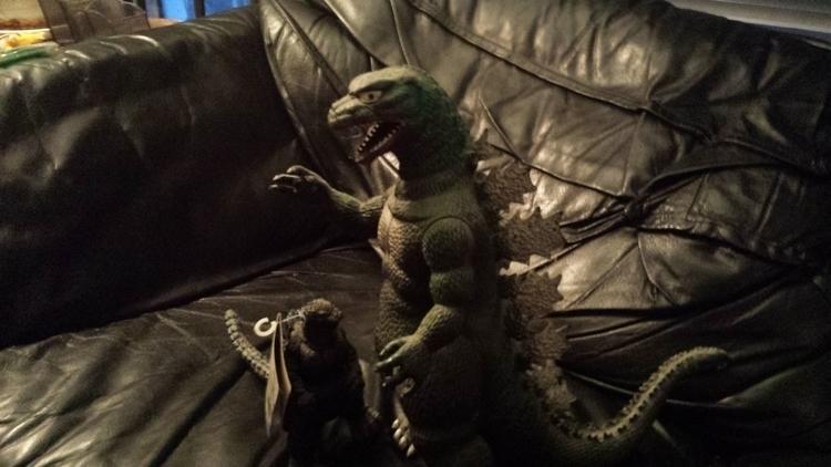 Godzilla, Gojira, Hatun - hatun | ello