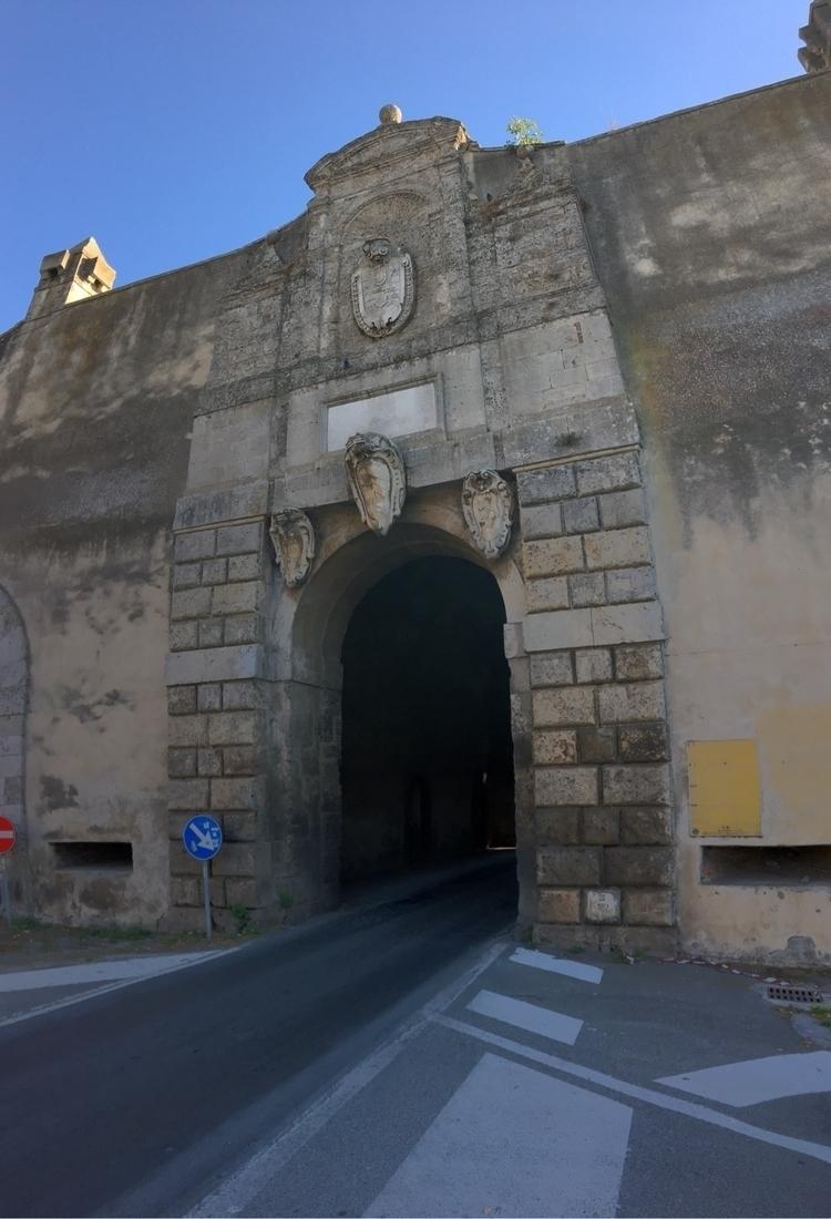 Passing Viaduct - Orbetello - rowiro | ello