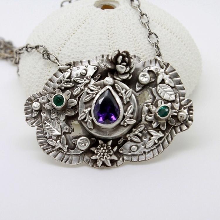 Mandala Pisces vine leaf detail - gemini_lotus_designs | ello