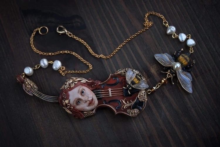 spirit, violin, bee, gold, girl - ellenrococo | ello