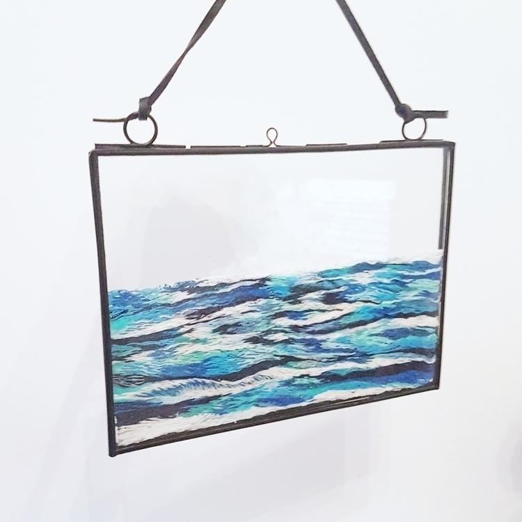 sea embroidery floating frame - textileart - fullmetalneedle   ello