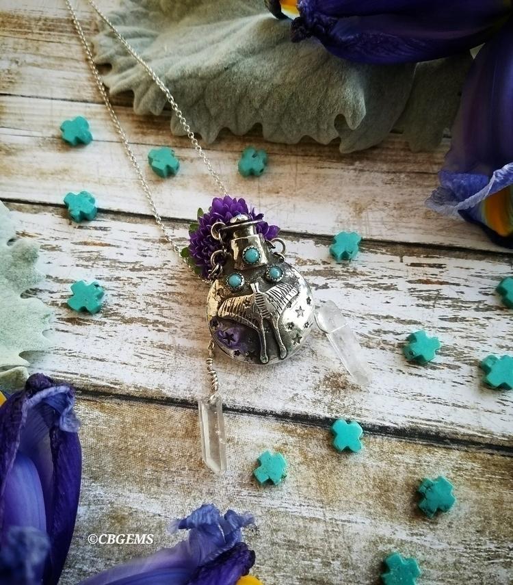 :crystal_ball:Moth Magic Silver - cbgems | ello