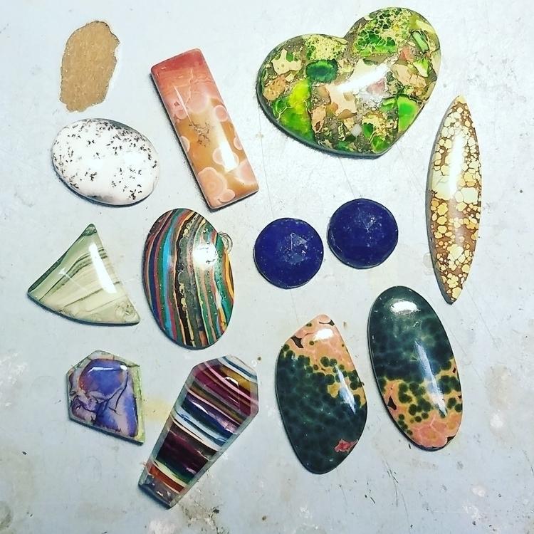 pretty stones - chicmetal | ello