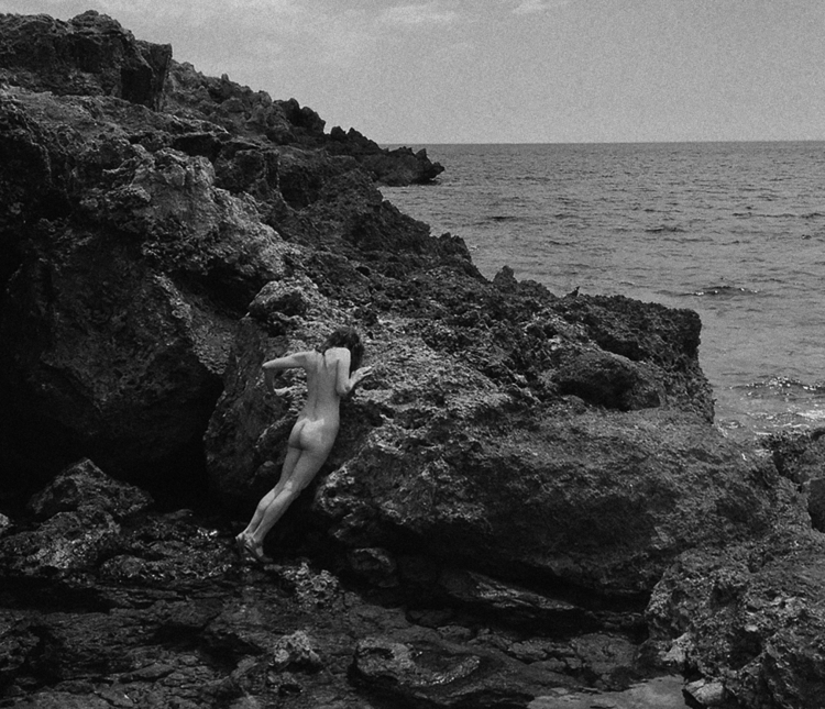 sea - nude, outdoor - agneshaus | ello